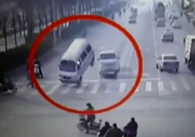 Levitating Cars in China, Mystery Solved