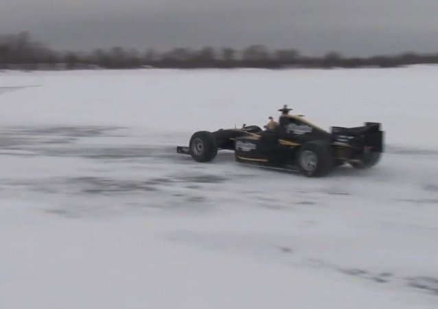 Formula Sub-Zero: Racing Car Sets Speed Record On Ice