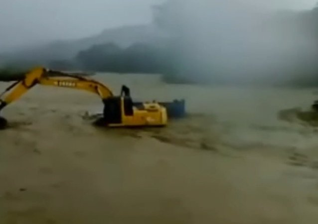 Extreme Salvation of Truck Drivers by Excavator